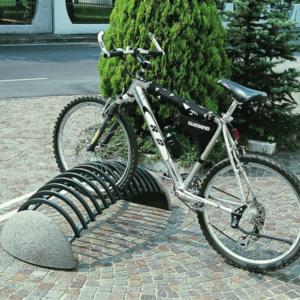 Rasteluri si Adaposturi pentru Biciclete