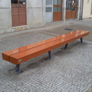 Banca stradala simpla din otel si rigle din lemn de pin UM281