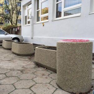 Jardiniera din beton UM352