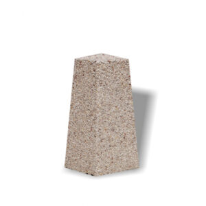 Stalp stradal din beton UM306