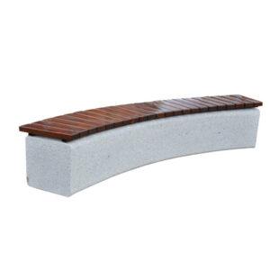 Banca din beton curbata cu sezut din rigle de lemn UM1853